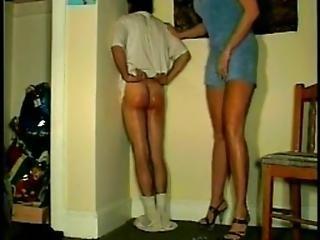 3742623 Moms - Caught Drinking Knee ---- Http Gaigoithiendia.com