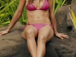 Jennifer Aniston Bikini