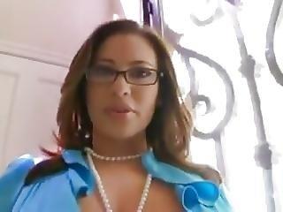 Curvy Latina Real Estate Fucked