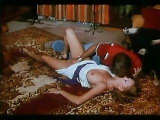 Entrecuisses (possessions) (1977) - Brigitte Lahaie - Classic Porn