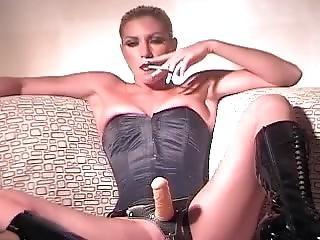 Darbi Smoking