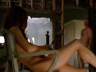 Alanna Ubach - Hung S02e01 (2010)