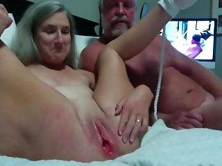 Hot Milf Gets Her Pussy Shaved And Puts On A Show With Her Pink Vibrator