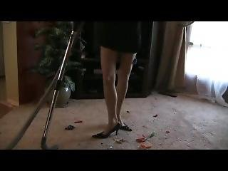 Babe With Central Vac Sucking Garbage In Dress With Gloves