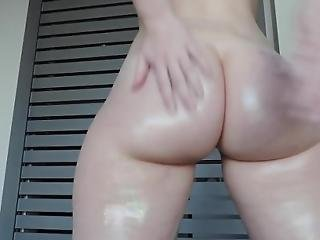 Juicy Glittery Ass Shaking