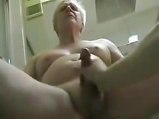 fürdõszoba, kézimunka, maszturbáció, érett