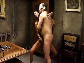 Umění, Velké Dudy, Blonďaté, Kuřba, Honění, Podpatky, Vysoké Podpatky, Italské, Líbání, Masturbace, Orální, Sex, Trojka, Vaginální