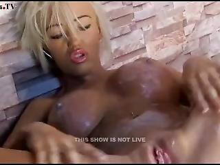 Kerrie Lee Fit As Fuck