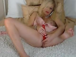 Blonde Girlfriend Secretly Masturbates On Webcam While Boyfriend Is At Work