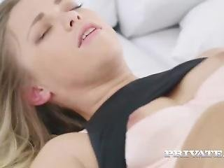 Selvaggia Goes Atm To Swallow Cum