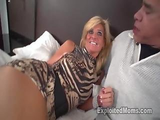 素人, ブロンド, ファッキング, ハウス, ハウスワイフ, 成熟した, 熟女, ママ, 年上の女性, セクシー, セックス, 妻