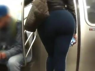 Donk Dominican Woman In Blue Leggings