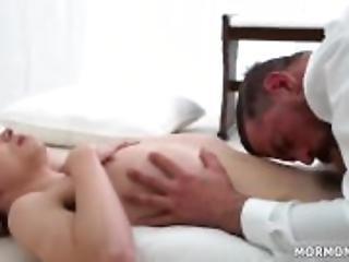 Väärinkäyttöä teini porno