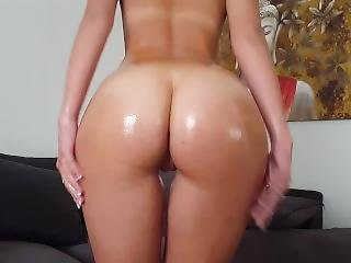 Hot Blonde Teen Isla White Oils Herself Up And Fucks Her Pussy And Ass