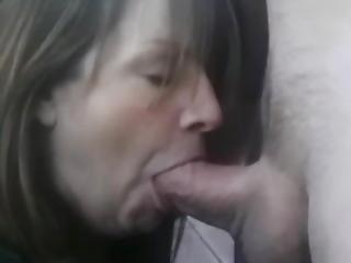 luder, gross titte, blasen, brünette, sperma, sperma schlucken, ladung, schwanz, sexy, schlucken