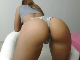 Hot Moniqueeass Fingering Herself On Live Webcam - 6cam.biz