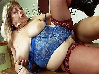 Csúnya anya pornó