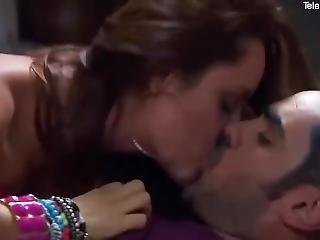 Ana Lucia Dominguez Sexy Scene - Latina Hot