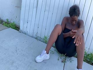 Ebony Spandex Thick Pussy Squatting At A Bus Stop