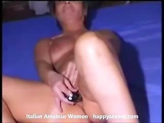 Italian Mature Masturbating And Cumming. Amateur