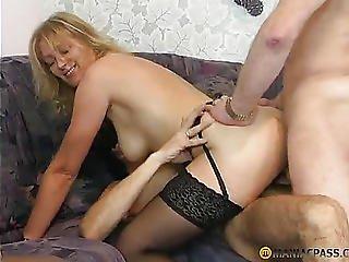 Guys Fuck Hot Aunts