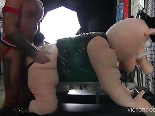 Pig Week Gorilla Porn Barebacking Sling Fuck