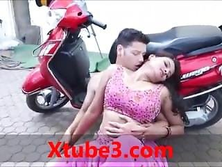 Indian Girl Outdoor Sex Video By Police
