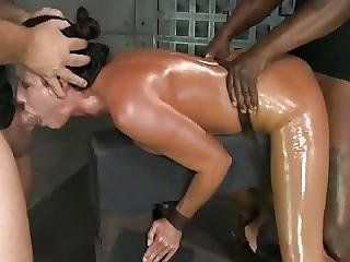 Big Orgasms For This Good Slut