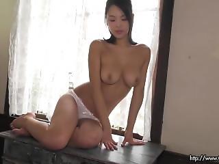 asiatica, tette grandi, carica