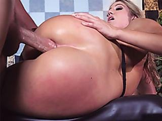 Bodacious Butt Waitress Anal With Client Off The Menu