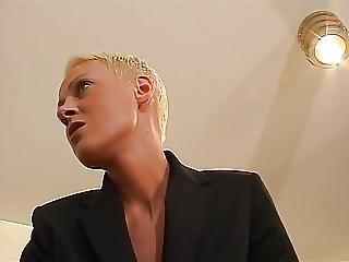 Anal, Blond, Sjef, Femdom, Tysk, Håndjobb, Piercet, Kort Hår