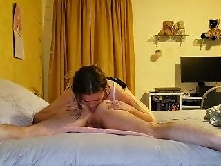 Teen Gets Her Throat Fucked After An Amazing Rimjob In College Dorm