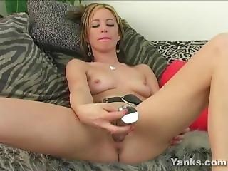 Kinky Michelle Toys Her Twat