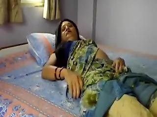 Desi Housewife Rubbing Shaved Pussy