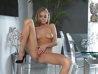 babe, stor pupp, blond, onanering, pornostjerne, skjørt, solo