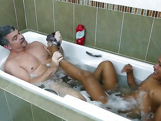Foot Loving Dilf Engulfing Twinks Toes In Baths