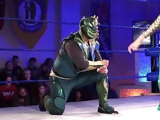 Energetic Female Pro Wrestler Dominates Massive Male - Mixed Wrestling