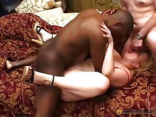 The Gal With A Magnificent Body Screwed With The Males
