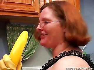 Hot And Horny Chubby Housewife Has A Nice Wank
