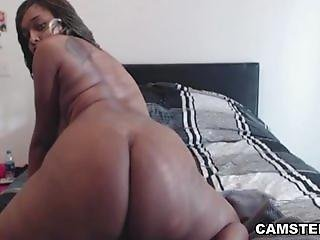 Phat ass black girl bouncing her big ass