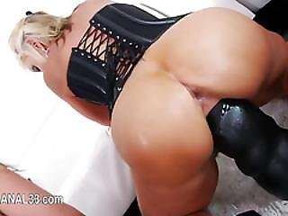 Sexy Babe Love Butthole Toying Her Tight Ass