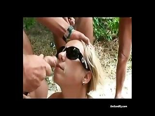 amatorski, kociak, plaża, obciąganie, wytrysk, wystawa, ruchanie, stymulacja wacka dłonią, dojrzała, nudystka, na dworze, publicznie, seks, podglądacz