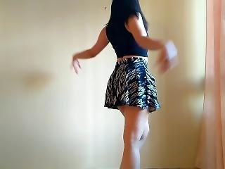 Sexy Girl From Venezuela Dancing To