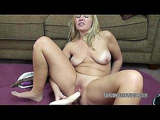 Curvy Milf Liisa Is Fucking Her Sweet Twat With Veggies