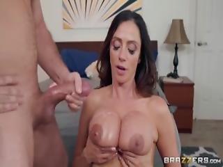 stort bryst, blowjob, brunette, numse, bil, cock sutning, tissemand, doggystyle, boret, kneppe, fisse, ridning, sutter, ung