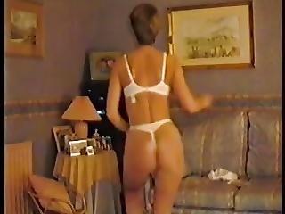 Linda Milf Strips