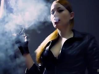 Kira Lost In My Smoke