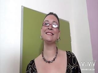 Amateur, Pijp, Brunette, Casting, Mollig, Ejaculatie, Doggystyle, Vingeren, Duits, Bril, Handjob, Likken, Lingerie, Masturbatie, Milf, Orgasme, Poes, Tattoo, Vaginaal