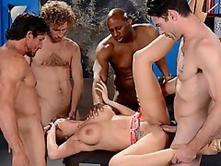 anaal, kont, dikke tiet, business vrouw, dubbele penetratie, voet, gangbang, interraciale, orgie, pentratie, roodharige, werkplaats, aanbidden