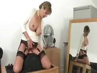 Lady Sonia Sybian Control